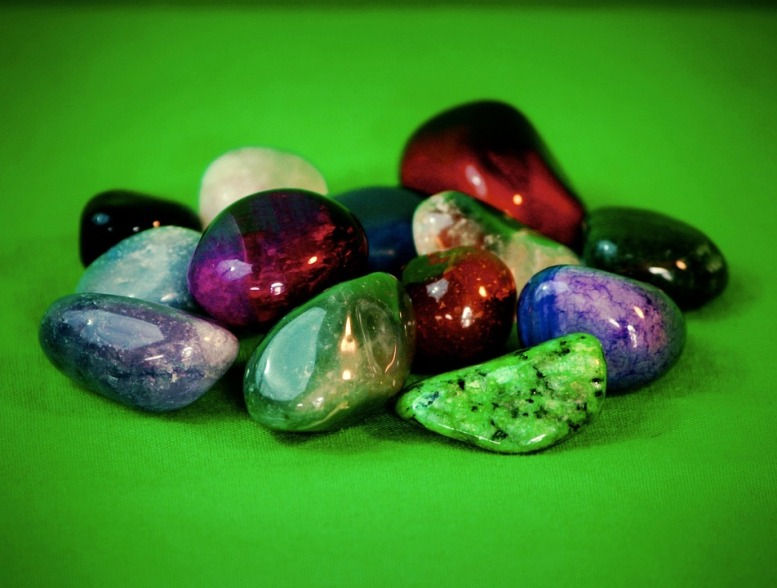 gemstones-63385_960_720